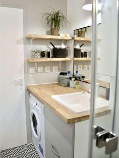 Une salle de bains blanc et bois façon DIY