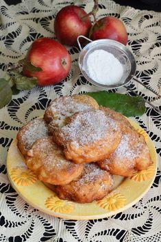 Gogosi cu mere - CAIETUL CU RETETE French Toast, Deserts, Breakfast, Food, Morning Coffee, Desserts, Meal, Essen, Hoods