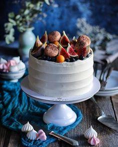 Karamelové mini cheesecaky - Coolinári | food blog Cheesecake, Place Card Holders, Desserts, Blog, Mini, Basket, Tailgate Desserts, Deserts, Cheesecakes