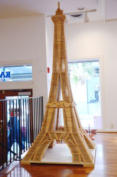 Popsicle Stick Houses, Popsicle Stick Crafts, Craft Stick Crafts, Diy And Crafts, Eiffel Tower Craft, Stem Activities, Toys For Boys, Woodworking Projects, Cool Pictures