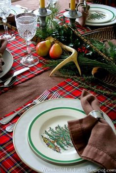 Wonderful Life Farm: Christmas at our Home Tartan Christmas, Spode Christmas Tree, Christmas Tablescapes, Happy Holidays, Christmas Holidays, Old Fashioned Christmas Decorations, Christmas Table Settings, Relaxing Day, December 25