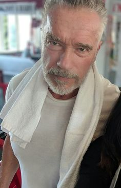 Arnold Schwartznegger at 71 looks badass, also a bit like a Witcher. Arnold Schwarzenegger, Thanks For The Memories, Bored At Work, Hooray For Hollywood, Hollywood Actor, Grey Hair, Beard Styles, Cute Photos, How To Look Pretty