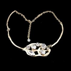Another admirable necklace from IKUO.