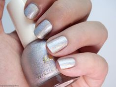 Maria's nail: 414. H&M - Space Race and Verdigris