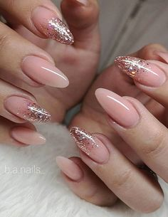 Long acrylic nails are too sharp, and short nails are too ordinary? Then you need almond nails, which are of moderate length. Almond nails are named after their shape similar to almonds. Nail Design Glitter, Pink Glitter Nails, Pink Nail Art, Gold Nails, Glitter Nail Tips, Glitter Acrylics, Almond Nails Designs, Pink Nail Designs, Acrylic Nail Designs