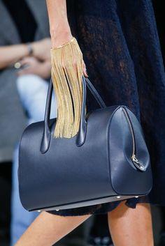 Chain cuffs + sleek navy shapes - Nina Ricci - Fall 2015 Ready-to-Wear - Look 20 of 96