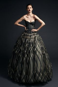 Get inspired and discover Zac Posen trunkshow! Shop the latest Zac Posen collection at Moda Operandi. Zac Posen, Fashion Moda, Fashion Week, High Fashion, Dress Code, Couture Fashion, Runway Fashion, Kings & Queens, Glamour
