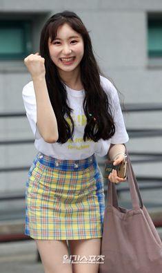 Fashion Tag, Daily Fashion, Yongin, Japanese Girl Group, Kim Min, Inspired Outfits, Me As A Girlfriend, Kpop Girls, Yuri