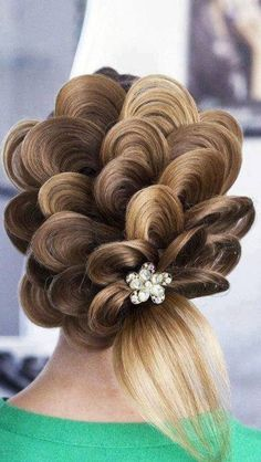 Amazing Hairstyles, artistic hair, petal hair for brides