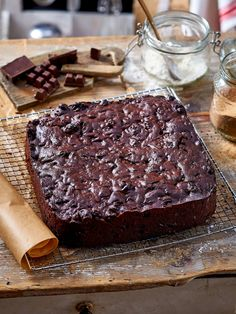 The flavours of dark chocolate, sharp dried fruits and blackcurrant liqueur mingle together in this delicious variation on a traditional Christmas cake. Xmas Food, Christmas Baking, Christmas Cake Recipe Traditional, Yummy Treats, Delicious Desserts, Boiled Fruit Cake, Xmas Cakes, Christmas Cakes, Christmas Goodies