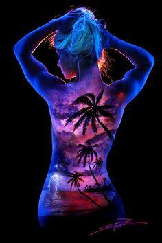 Magníficas pinturas corporais fluorescentes, por John Poppleton | Ideia Quente