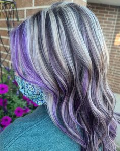 Ever thought that purple and silver shades can go well together? Kaitlyn Jeanne, an independent stylist in Wheaton, IL made it work, resulting in a one-of-a-kind hair color idea! Get more purple silver hair trends from our website. #silverpurplehair #silverandpurplehair Silver Purple Hair, Hair Color Purple, Latest Hairstyles, Cute Hairstyles, Pelo Multicolor, Cute Hair Colors, Colouring, Hair Trends, Dyed Hair
