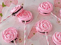 Meringue Rose Pops are a great way to ring in the spring! Perfect for birthdays, holidays, and more.