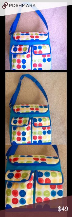 Vintage Refrigerated Bag Blue Yellow Red Green Tote bag features circles on the design. Can hold refrigerated items or not. I used it to hold my crafts like yarn and makeup purse collections. Measurements in comments. Bags Baby Bags