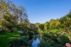 Peek Inside Bob Hope's Iconic John Lautner–Designed Palm Springs Estate | Architectural Digest