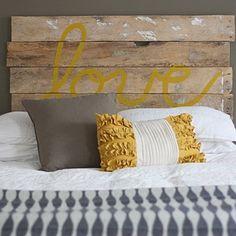 Tête de lit récup en palette en bois