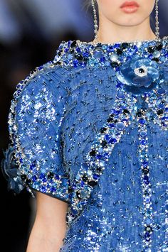 Karl Lagerfeld For Chanel Haute Couture Spring/Summer 2012 Chanel Couture, Couture Details, Fashion Details, Fashion Design, Chanel Fashion, Couture Fashion, Coco Chanel, Blue Fashion, High Fashion