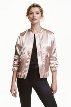 Bomber jacket: Jacket in a soft weave with a sheen. Small stand-up collar, zip down the front, flap front pockets with a concealed press-stud and a zipped sleeve pocket. Wide elastication at the cuffs and hem. Lined.
