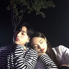 Images and videos of ulzzang boy Gay Couple, Cute Couple Art, Cute Couple Pictures, Couple Photos, Korean Boys Ulzzang, Ulzzang Couple, Ulzzang Boy, Couples Images, Cute Couples