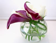 mini centerpieces with mini calla lilies and rose. Great for small tables and small space.
