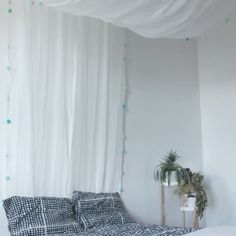 12 Fun Girl's Bedroom Decor Ideas - Cute Room Decorating for Girls Tags: a girl room decoration, a baby girl room decor, girl room themes for tweens, teenage girl room decor ideas, baby gir My New Room, My Room, Girls Bedroom, Girl Rooms, Trendy Bedroom, Diy Furniture, Bedroom Furniture, Diy Projects, House Projects