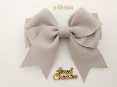 Simple delicate bows for beginners MK Alena Хорошиловаtutorial Kanzashi ribbon bow Blue Hair Bows, Large Hair Bows, Hair Ribbons, Felt Headband, Cute Headbands, Diy Lace Ribbon Flowers, Ribbon Bows, Baby Tiara, Toddler Hair Clips