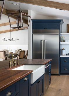 Kitchen Design Open, Kitchen Cabinet Design, Kitchen Redo, New Kitchen, Kitchen Remodel, Kitchen With Farmhouse Sink, Maple Kitchen, Open Concept Kitchen, Navy Blue Kitchen Cabinets
