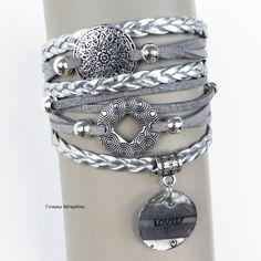 """bracelet multirangs - manchette tresses, suédine et perles argentées - médaillon entièrement fait main """"Lovely"""" : Bracelet par l-oiseau-seraphine"""