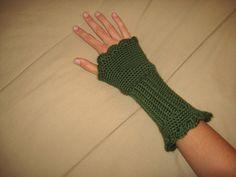 Victorian Texting Gloves-fingerless gloves-free crochet pattern