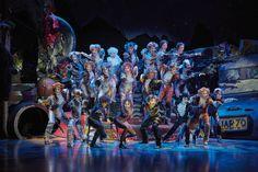 CATS, Le Musical au #ThéâtreMogador vu par Ma Sérendipité | Une trentaine d'artistes aux multiples talents #spectacle #sorties #musical #comédiemusicale