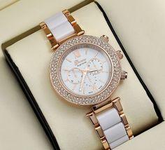 Dámské bílé hodinky se zlatými detaily a zirkony Na tento produkt se vztahuje nejen zajímavá sleva, ale také poštovné zdarma! Využij této výhodné nabídky a ušetři na poštovném, stejně jako to udělalo již velké množství …