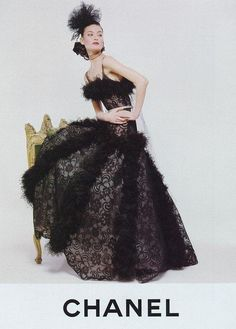 Karl Lagerfeld for Chanel ft Shalom Harlow 90s Fashion, Couture Fashion, Runway Fashion, Fashion Brands, Fashion Beauty, Vintage Fashion, Coco Chanel, Karl Otto, Shalom Harlow