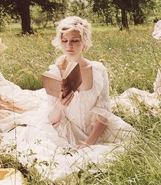 Kirsten Dunst - Marie Antoinette                                                                                                                                                                                 More