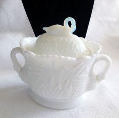 Vintage WESTMORELAND MILK GLASS SWAN & CATTAILS LATE SWAN Glass Sugar Candy Dish
