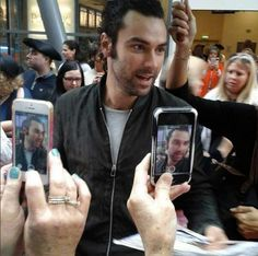 Aidan at the Poldark 2 premiere. Either he's a real sweetpea or he's a good actor (!)    Ah I jest!!  he has such patience with his fans.....