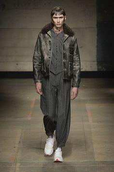 Fashion Week de Londres : couleurs fluos et looks underground chez Topman Design - Actualité : Défilés (#770078)