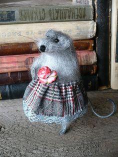 Мышка с розой. Handmade.