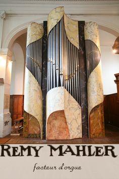 Remy Mahler organ; Tours, France; 2007