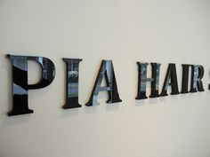 hoogglans acrylaat letters Wayfinding Signage, Signage Design, Signage Systems, Acrylic Letters, Office Branding, Black Acrylics, Black Stainless Steel, Lettering, Signs