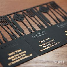 Cookware Business Cards 1613053 양지희: 굳이 글자로 요리와 관련있다고 쓰지않아도 알수있게 요리도구들로 모양을 내었는데 표현성과 디자인성 모두 좋은것같다.