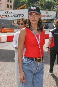 Bella Hadid At Monaco Formula One Grand Prix at Circuit de Monaco in Monte-Carlo, Monaco Fashion Bella, 90s Fashion, Daily Fashion, Fashion Outfits, Isabella Hadid, Bella Hadid Style, Simple Outfits, Jeans, Celebrity Style