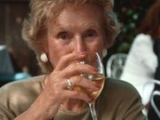 News Picture: Moderate Drinking May Benefit Early Stage Alzheimer's Patients
