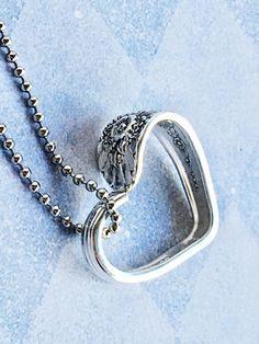 Silver Spoon Jewelry, Fork Jewelry, Silverware Jewelry, Jewelry Box, Jewelry Accessories, Vintage Jewelry, Jewelry Necklaces, Jewelry Design, Jewelry Making