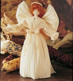 Angel Corn Husk Doll | Christmas Crafts | Corn Husk Crafts — Country Woman Magazine My mom used to make these!!!