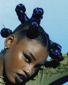 Natural Afro Hairstyles, Black Girls Hairstyles, Natural Hair Styles, Hair Color Blue, Blue Hair, Dark Skin Makeup, Hair Makeup, Arctic Fox Hair Color, Black Girl Aesthetic