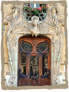 have some decorum: Parisian Apartment. Part Deux. La Porte.