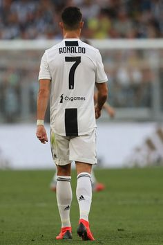 TURIN, ITALY - SEPTEMBER 29: Cristiano Ronaldo of Juventus  during the Srie A match between Juventus and SSC Napoli  at Allianz Stadium on September 29, 2018 in Turin, Italy.  (Photo by Gabriele Maltinti/Getty Images ) Christano Ronaldo, Foto Cristiano Ronaldo, Cristiano Ronaldo Wallpapers, Ronaldo Football, Cristiano Ronaldo 7, Juventus Wallpapers, Juventus Italia, Cr7 Juventus, Juventus Stadium