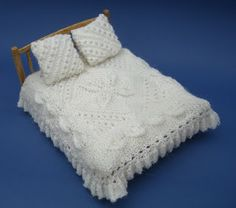 bitstobuy: My favourite dolls house miniature knitting pattern