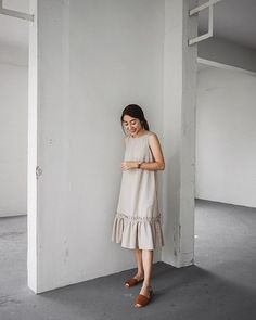 Best Outfit Styles For Women - Fashion Trends Simple Dresses, Cute Dresses, Casual Dresses, Casual Outfits, Fashion Dresses, Linen Dress Pattern, Simplicity Fashion, Designs For Dresses, Vogue Fashion