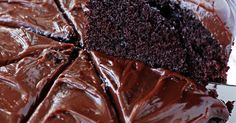 Chocolate cakes Ingredients: 120 g butter 2 eggs cup sugar cup flour tablespoons cocoa 1 tablespoon milk 1 pinch of salt Glaze Snickers Cake Recipes, Cookie Recipes, Baking Recipes, Nutella, Delicious Desserts, Yummy Food, Homemade Pastries, Food Cakes, Baking Cakes